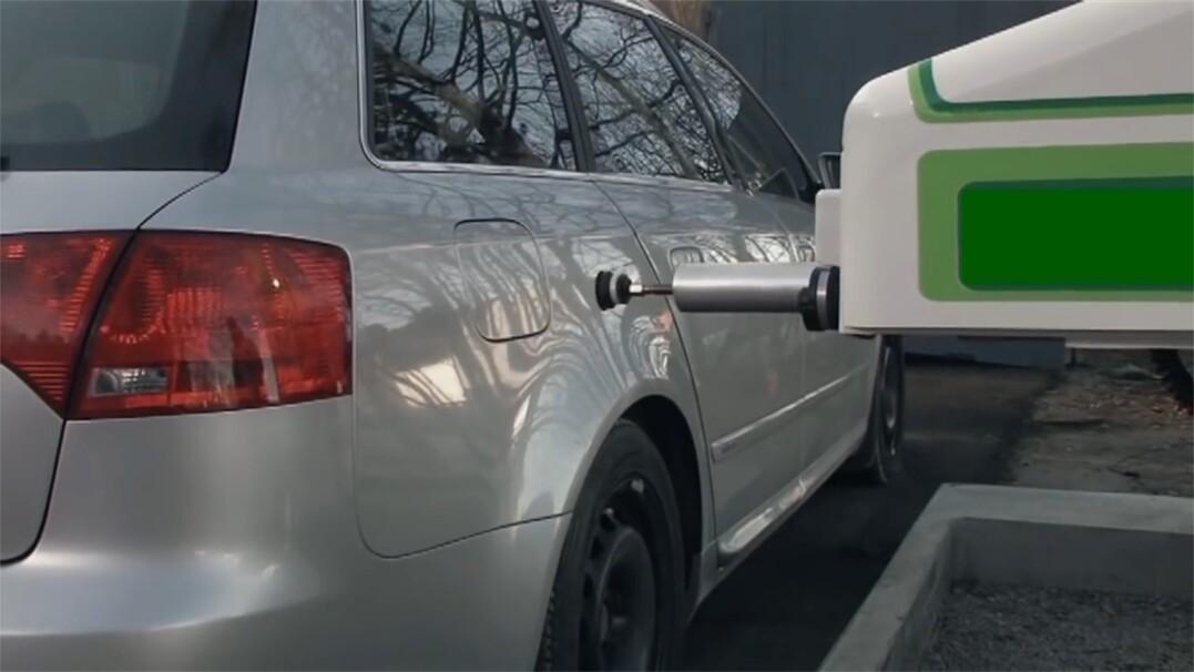 Tankowanie samochodu bez wysiadania. Wygodna wizja przyszłości