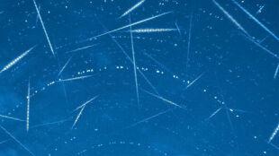 W sobotę z nieba spadną setki gwiazd