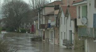 We Francji padał ulewny deszcz i wiał silny wiatr